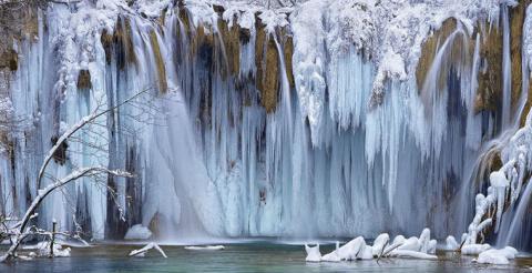 Самые странные и необычные водопады