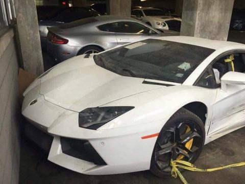 Lamborghini Aventador разорванный на две части ищет своего покупателя