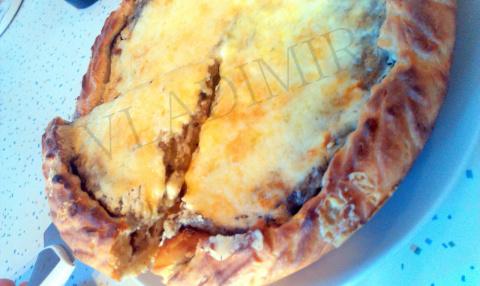 Пирог с картошкой, грибами и сыром