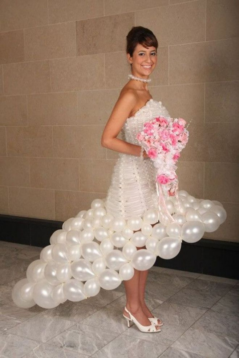 К этим свадебным фотографиям…