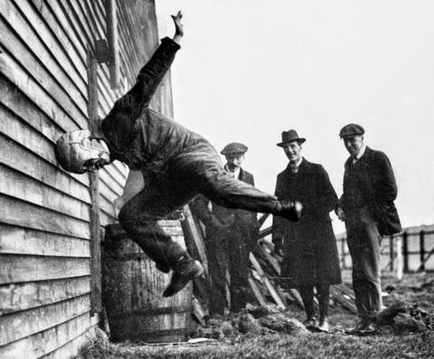 Испытания шлемов, 1912 год
