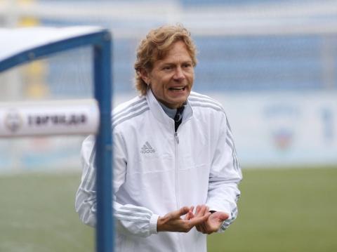 Новое «Торпедо» Карпина и футбол в манеже. Главные события 25-го тура ФНЛ