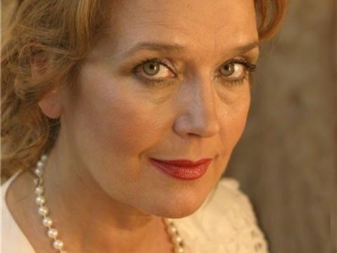 Обремененная красотой. Как изменилась Ирина Алферова за 40 лет