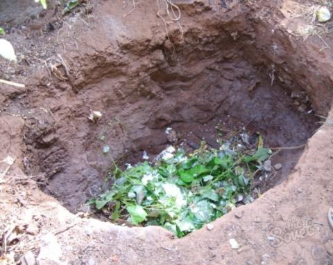 Можно ли готовить компосты в ямах?