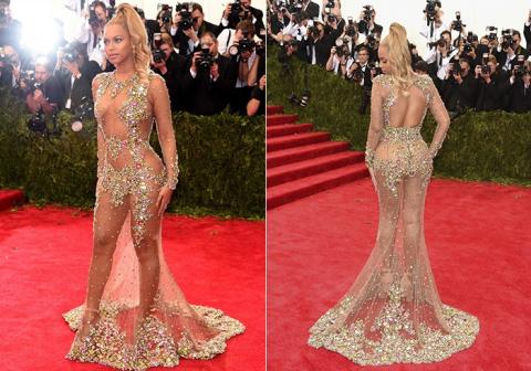В платье или без? 13 самых пикантных звездных нарядов 2015 года