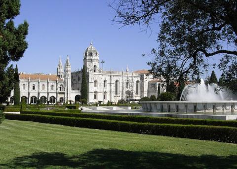 Монастырь Жеронимуш, башня Белен - символ Лиссабона, Португалия