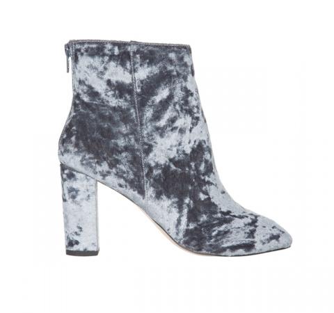 МОДНЫЕ СТРАСТИ. 15 красивых пар бархатной обуви нового сезона