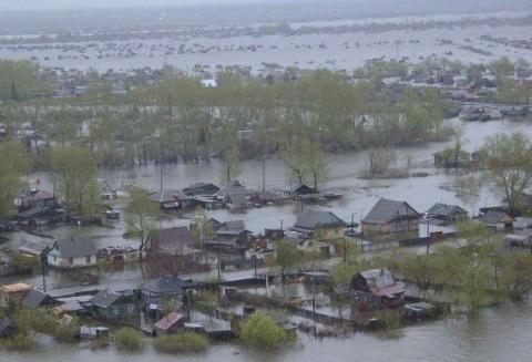 Число жертв наводнений в индийском штате Тамил-Наду увеличилось до 325 человек