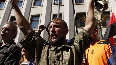 """В Киеве зреет новый бунт - """"правый сектор"""" идет на митинг"""