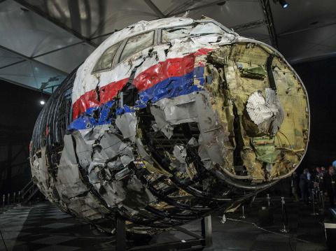Боинг MH17 сбили украинские военные —  экс-глава МГБ ДНР