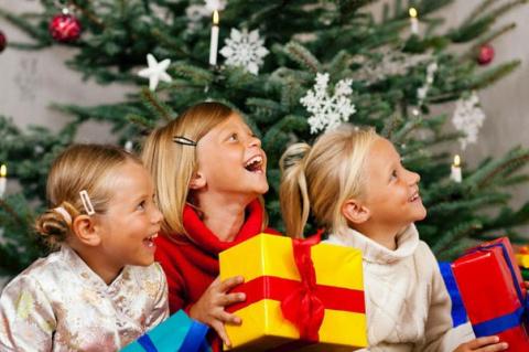 Весёлые новогодние игры для детей