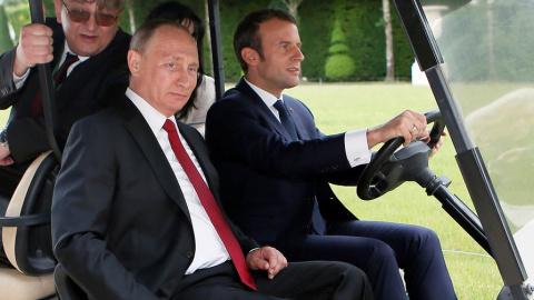 Путин и Макрон нашли общий язык или как Франция пытается запрыгнуть в уходящий поезд
