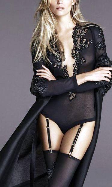 Коллекция женского белья и пижам от  La Perla , которые переворачивают представление о ночных рубашках