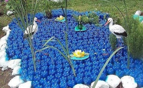 Идея для дачи из пластиковых бутылок