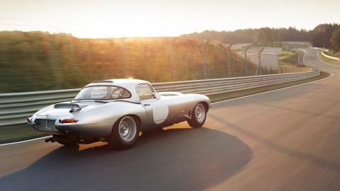 Автомобили с ретро-дизайном, которые выпускаются в наши дни