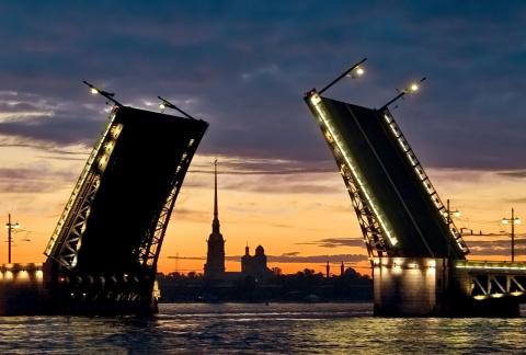 Выбор туристического бренда Петербурга доверят народу