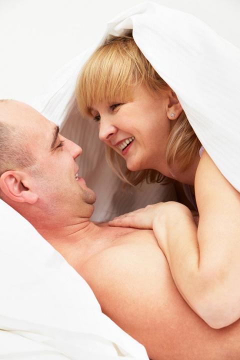 После 20 лет брака муж остав…