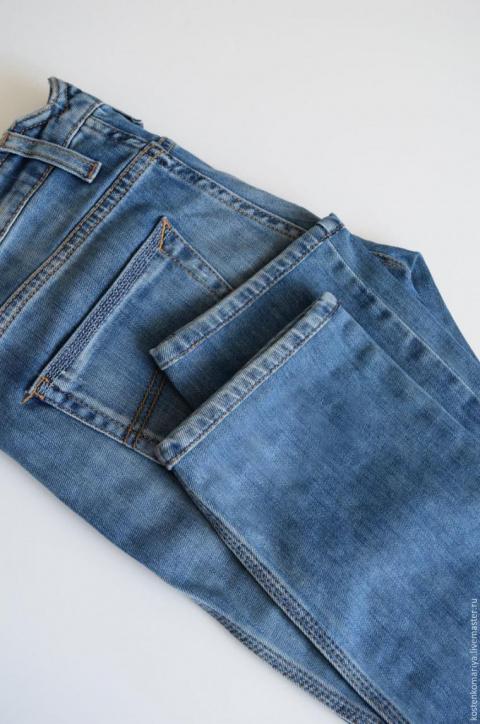 Три способа подшить джинсы, оставив производственные потертости