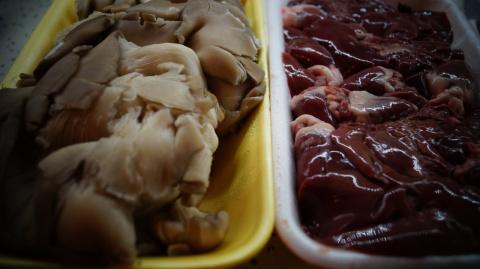 Жульен из потрошков с грибами (ужин за 20 мин)