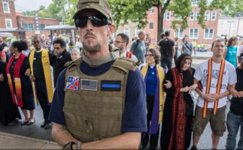 В американском Шарлотсвилле бунтуют националисты, введен режим ЧП
