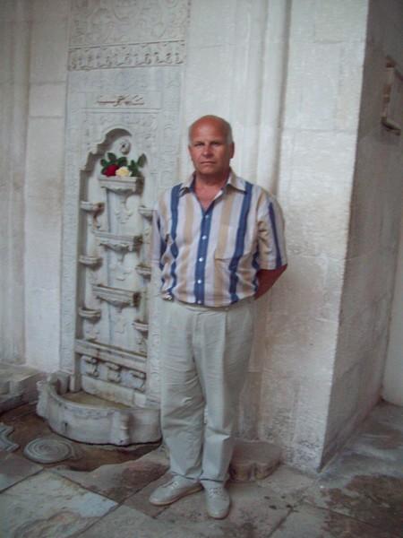 Александр Мухтаров