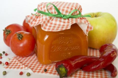 Острый кетчуп с антоновкой