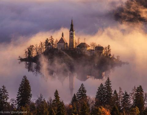 Сказочный остров, который парит в облаках