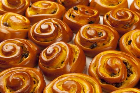 Самые вкусные булочки с изюмом и орехами!