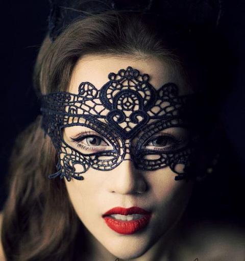 Новогодние аксессуары и макияж