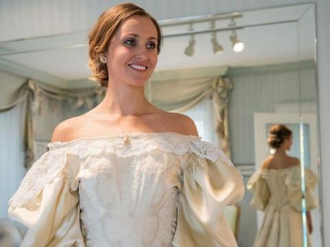 Свадебное платье со 120-летн…