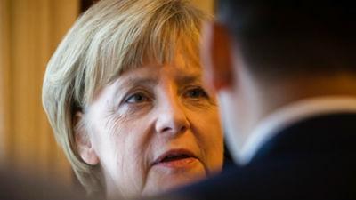 Меркель все-таки приедет в Москву