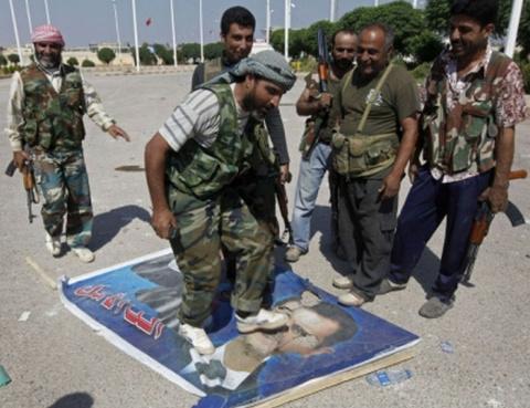 США набирают боевиков для аф…