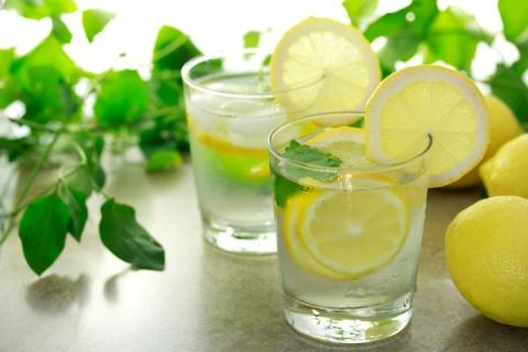 4 стакана воды после пробужд…
