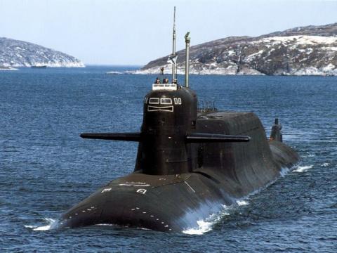 А поздравим наших друзей-подводников с профессиональным праздником!