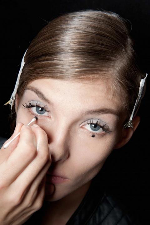 10 необычных способов использования подводки для глаз