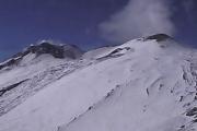 Вулкан Этна остается неспокойным
