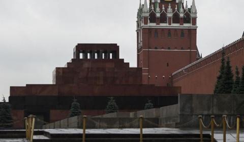 Путин считает тело Ленина в …