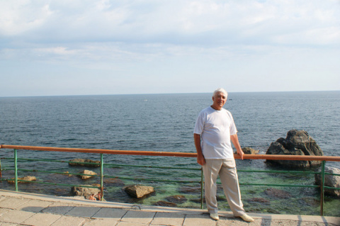 Павел Бутов