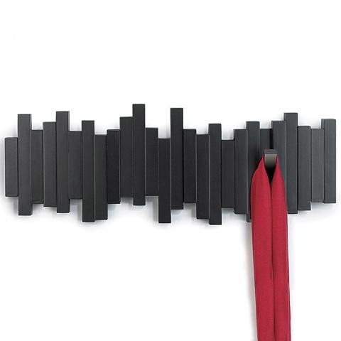 12 крючков, вешалок и плечиков для всего, что можно повесить