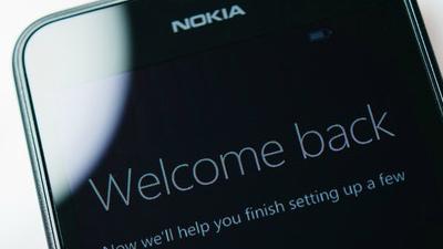 Nokia не собирается возвраща…