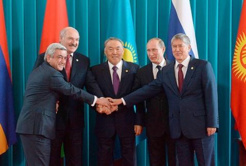 Лукашенко: Кыргызстан не пожалеет, что он вступил в наш единый экономический союз