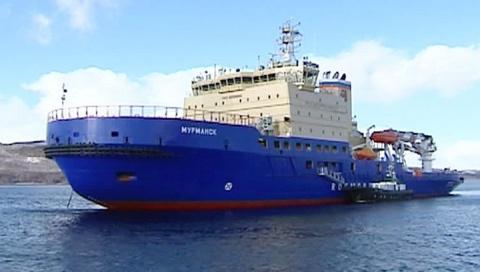 Новый ледокол «Мурманск» успешно прошел испытания в арктических льдах