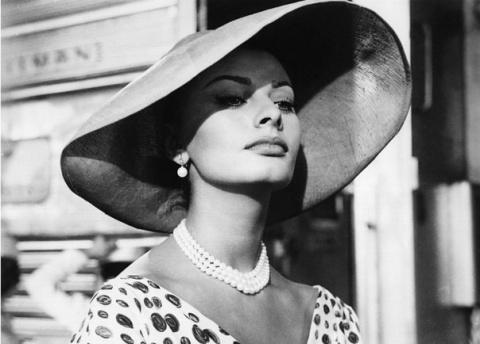8 правил красоты от Софи Лорен