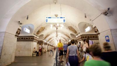 Пассажиры московского метро …