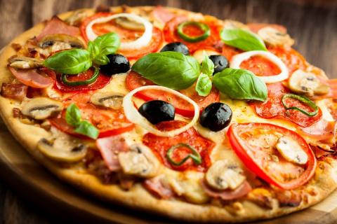 Готовим пиццу: 4 оригинальны…