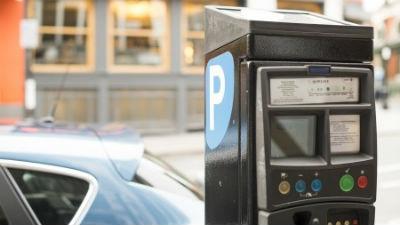 Столичные власти согласовали митинг против платных парковок