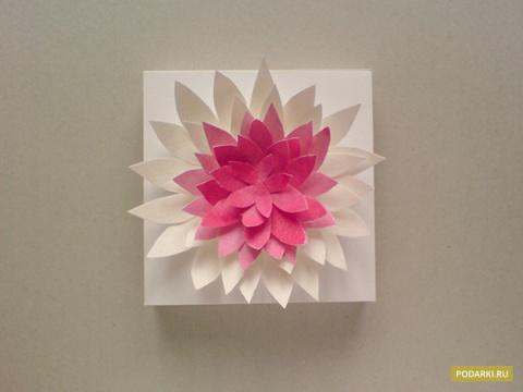 Цветок дляукрашения подарка