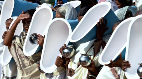 Почему у людей в Индии особо…