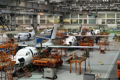 Чешский завод Aircraft Industries останавливает производство