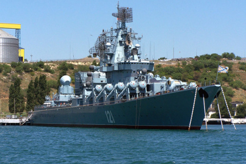 Ракетный крейсер «Москва» отправился из Севастополя в поход